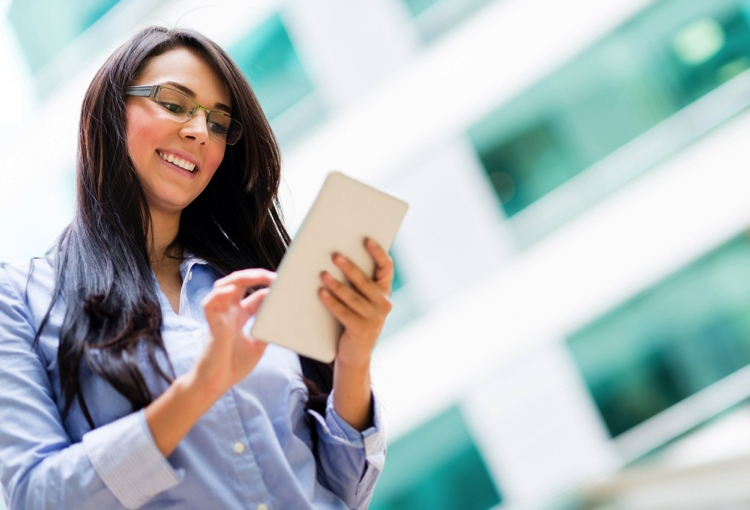 How Tablet Training Videos Can Improve New Employee Training Programs