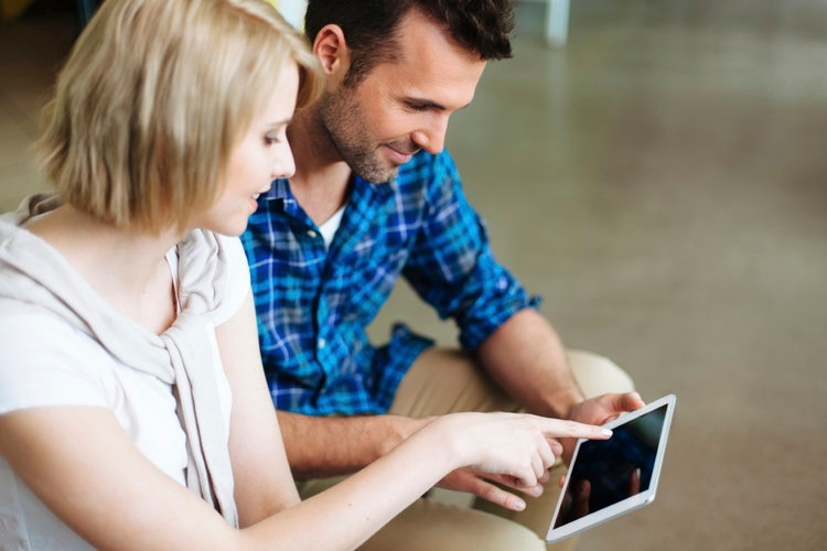 Why Training Employees with Video Is Now the Standard
