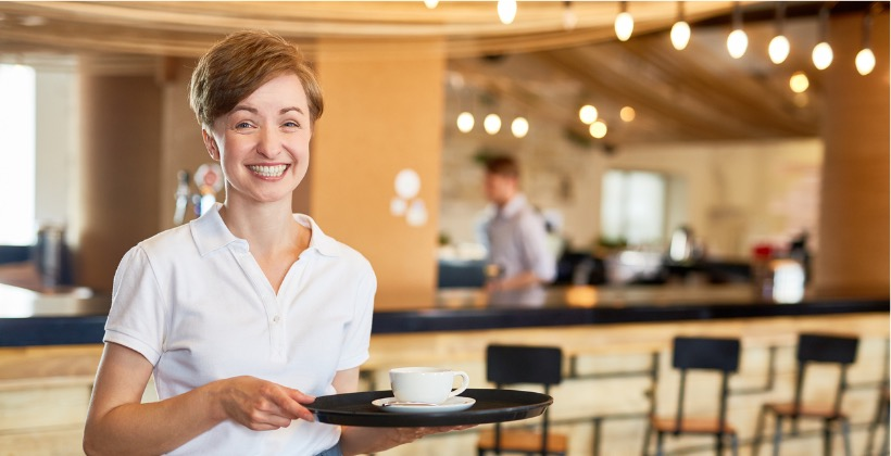cafe-staff-picture-id820376174