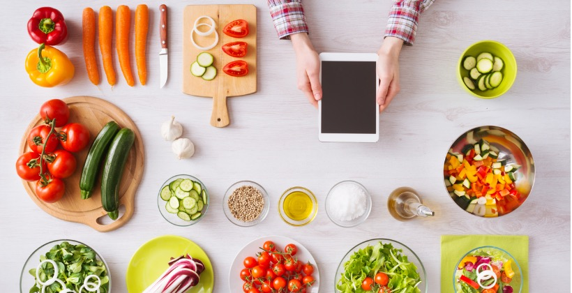 online-cooking-app-with-kitchen-worktop-picture-id493277868-2