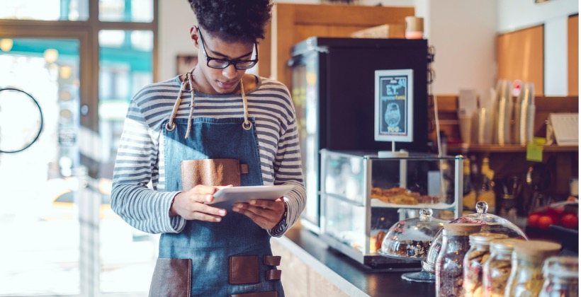 young-barista-is-working-in-a-caf-picture-id838579106-2