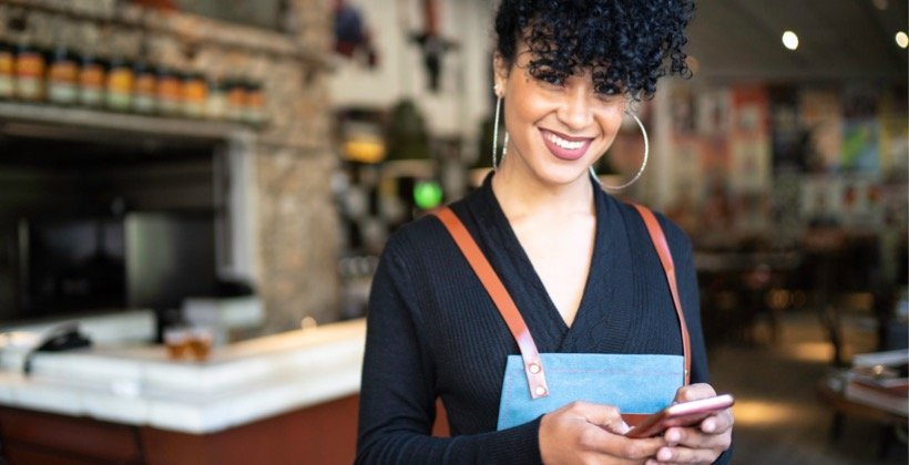 going-digital-&-mobile-transforms-employee-training-for-retailers