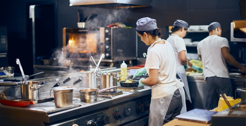Why Restaurants Need Employee Collaboration Software Now